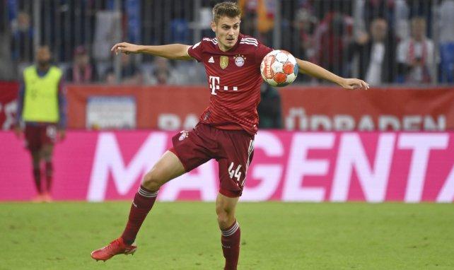 El Bayern Múnich renueva a Josip Stanisic