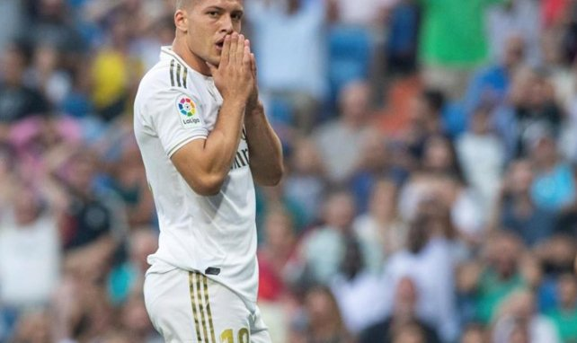 Luka Jovic con la camiseta del Real Madrid