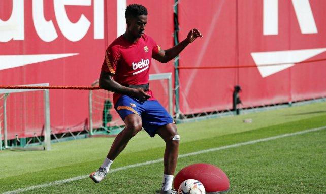 El FC Barcelona apura sus opciones de vender a Junior Firpo