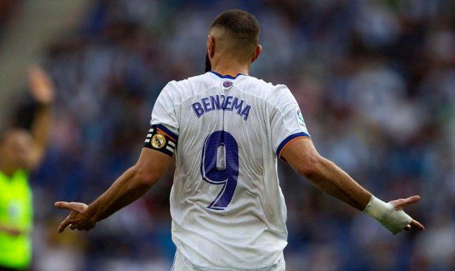 Karim Benzema con la camiseta del Real Madrid