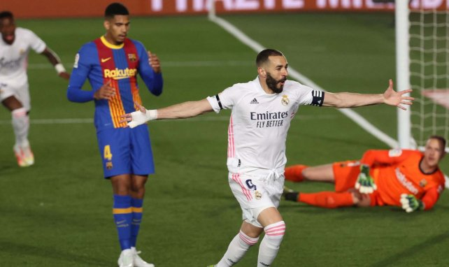 Liga | El Real Madrid vence al FC Barcelona y duerme como líder