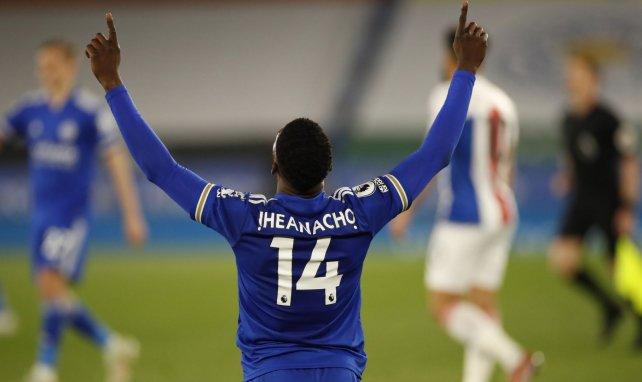 Kelechi Iehanacho celebra un gol con el Leicester City