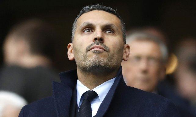 Khaldoon Al Mubarak en un partido entre City y Leicester