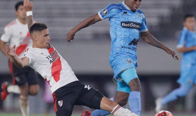 El Valencia apunta a la línea defensiva de River Plate