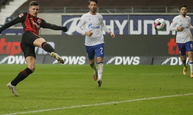 Luka Jovic lidera el triunfo del Eintracht de Frankfurt con un doblete