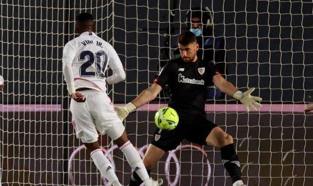 Unai Simón resulta del agrado del Real Madrid
