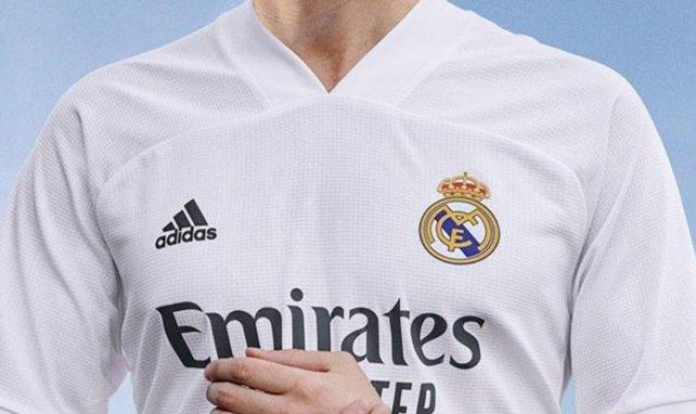 El Real Madrid presenta sus nuevas camisetas, con protagonismo del rosa