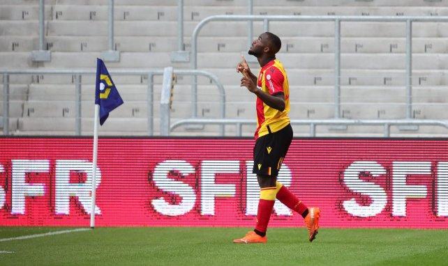 El Real Madrid sigue a una perla de Camerún