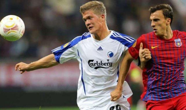 Andreas Cornelius es el máximo goleador de la liga danesa