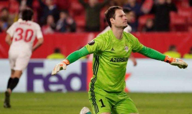 Asmir Begović, pretendido por el AC Milan