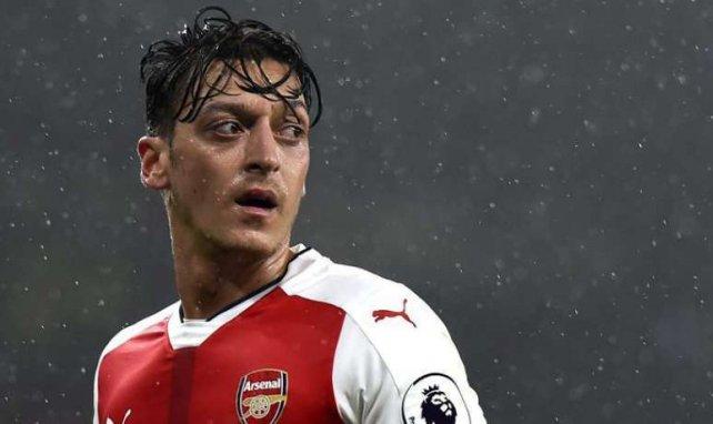 Arsenal | Mesut Özil y Dani Ceballos recuperan la sonrisa
