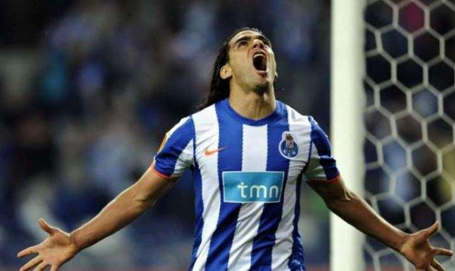Radamel Falcao celebra uno de los 72 goles anotado con el Oporto