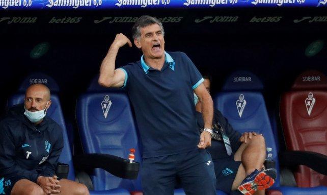 El Eibar ratifica a José Luis Mendilibar en su cargo