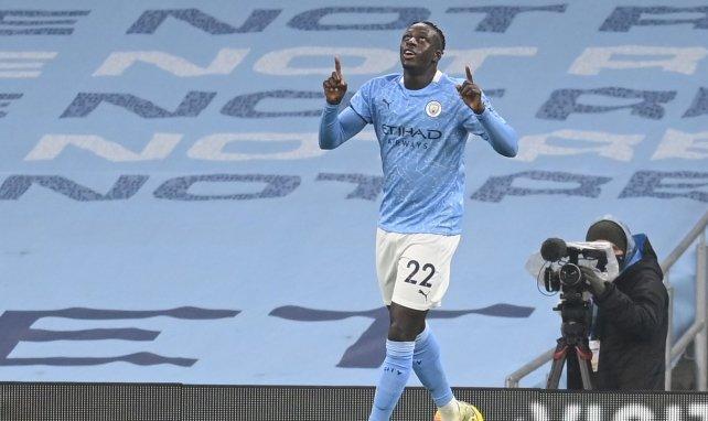 Benjamin Mendy celebra un gol con el Manchester City
