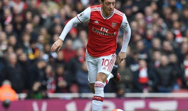 Mesut Özil acaba contrato en 2021