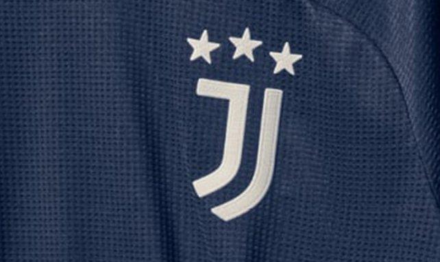 La Juventus de Turín presenta su segunda camiseta 2020-2021