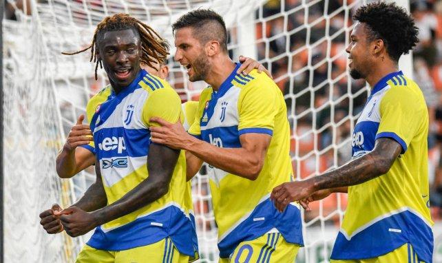 Moise Kean celebra un gol con sus compañeros de la Juventus