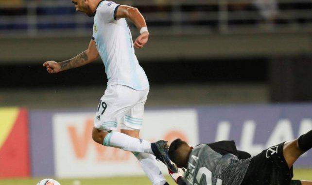 La Real Sociedad cruza intereses con Sevilla y Valencia