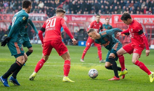 Oriol Busquets juega como cedido en el Twente