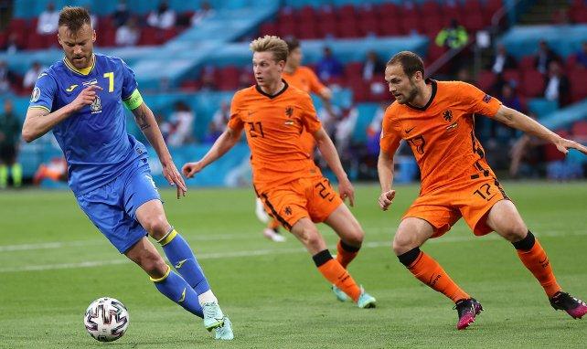 Andriy Yarmolenko, en acción con Ucrania ante Países Bajos
