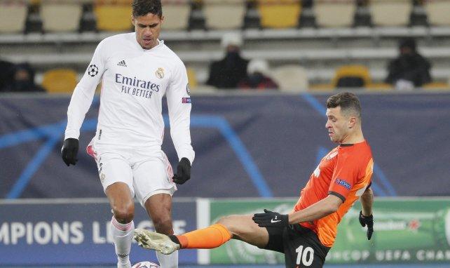 Real Madrid | Raphaël Varane desata un duelo a tres bandas en el mercado