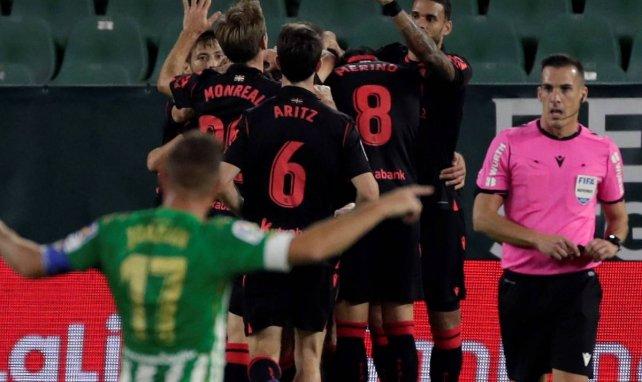 Liga | La Real Sociedad sale líder del Benito Villamarín