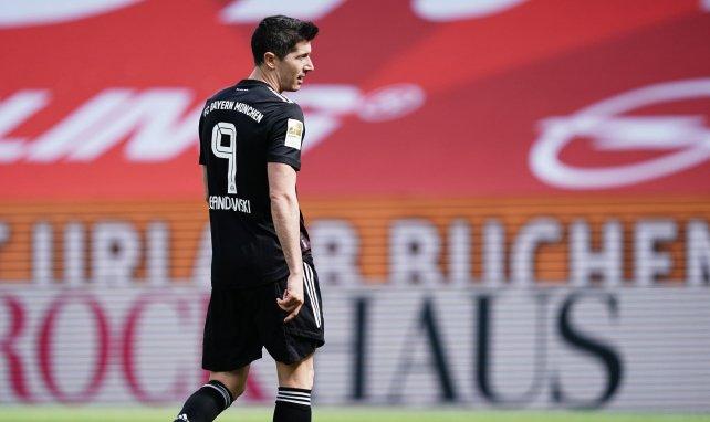 Robert Lewandowski desata una batalla en la Premier League