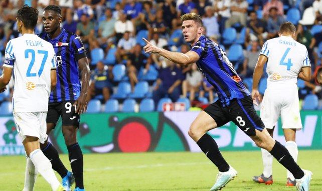 Robin Gosens celebra un gol con el Atalanta