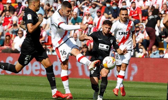 Liga | El Rayo Vallecano remonta al Elche y se coloca en puestos europeos