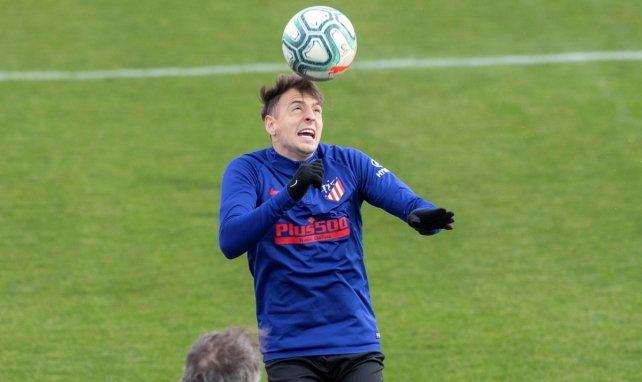 Santiago Arias interesa al Everton