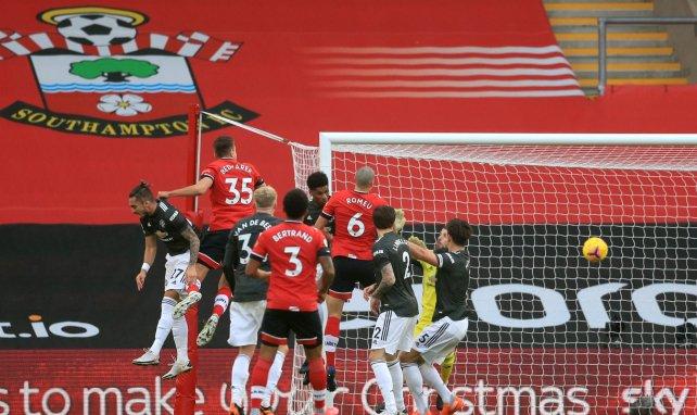 Premier | Edinson Cavani lidera la remontada del MU contra el Southampton