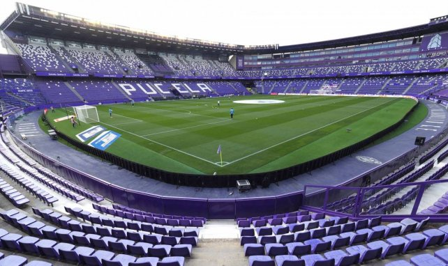 El Real Valladolid se anticipa al Getafe por un central