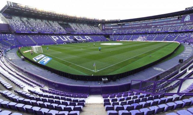 El Real Valladolid apuntala su retaguardia