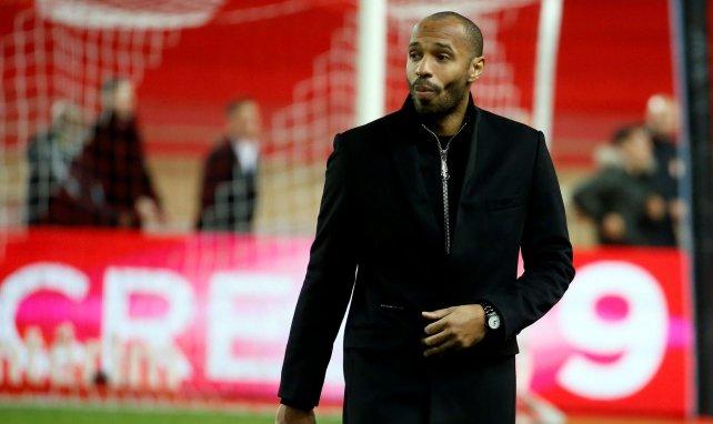 Thierry Henry se deja querer por FC Barcelona y Arsenal
