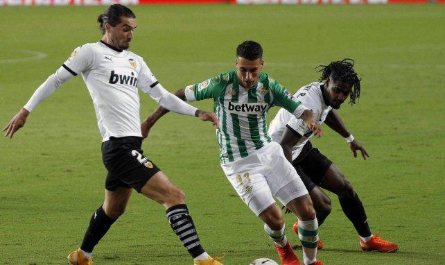 Cristian Tello tiene una vía de escape lejos del Real Betis