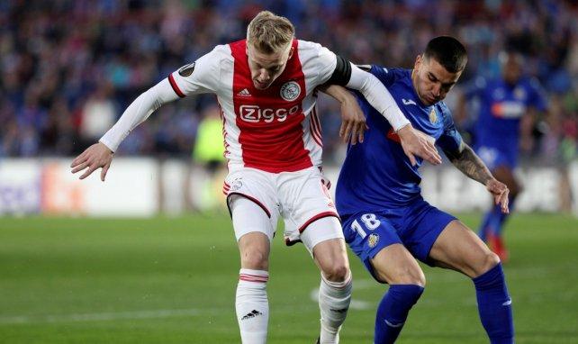Donny van de Beek mantiene en vilo al Real Madrid