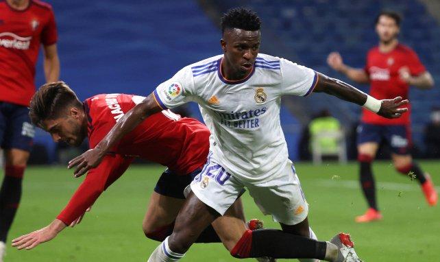 La respuesta del árbitro a los jugadores del Real Madrid que pedían más tiempo añadido ante Osasuna