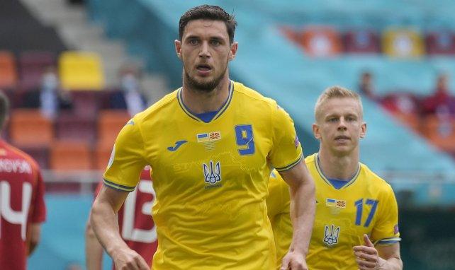 La AS Roma se incorpora a la carrera por Roman Yaremchuk